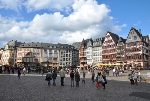 Whatever this is, it's famous enough to be part of the main picture on Frankfurt's Wikipedia page...