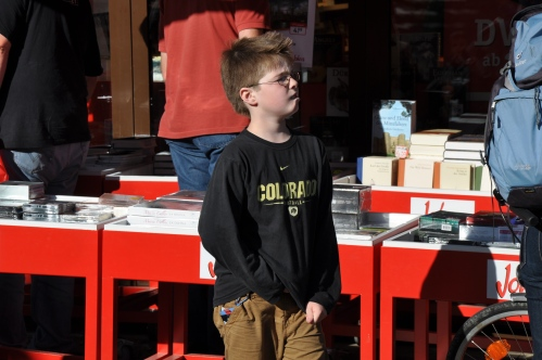 Strange to see a shirt from my alma mater in Frankfurt.  But, judging by his right hand, I've gotta say looks like this little dude is going to fit in great at the University of Colorado in a few years.  And if you happen to be his parents...  sorry?